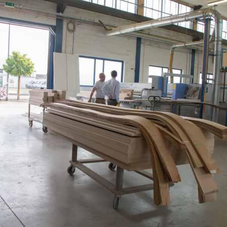Schreinerei-Werkstatt-Ansicht-Plattensäge
