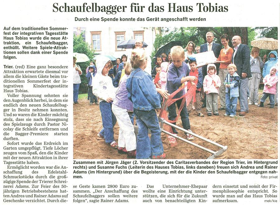 Zeitungsausschnitt vom 19. Juli 2007: Schreinerei Adams spendet 2800 Euro an das Haus Tobias und unterstützt damit die Anschaffung eines Schaufelbaggers für die integrative Tagesstätte